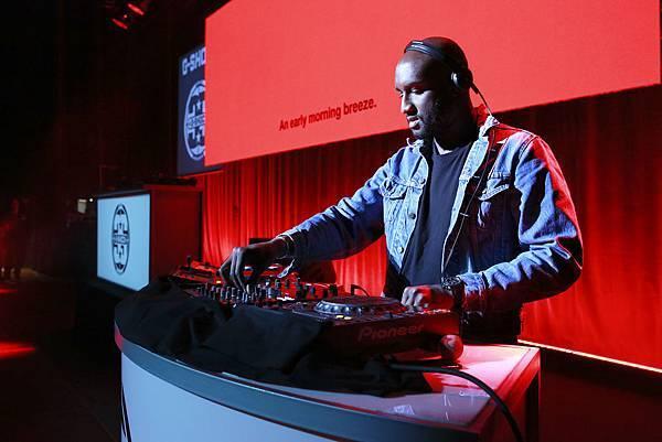 G-SHOCK全球首場35周年音樂派對由身兼DJ與街頭潮牌Off-WHITE的創辦人Virgil Abloh揭開精彩序幕