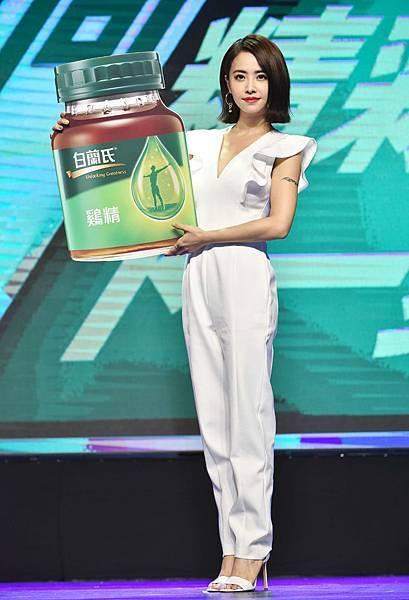 天后蔡依林Jolin持續飲用白蘭氏鷄精超過9年,今年再度受邀擔任品牌大使,以全新品牌精神「邁向精彩下一步」分享人生精彩秘訣。