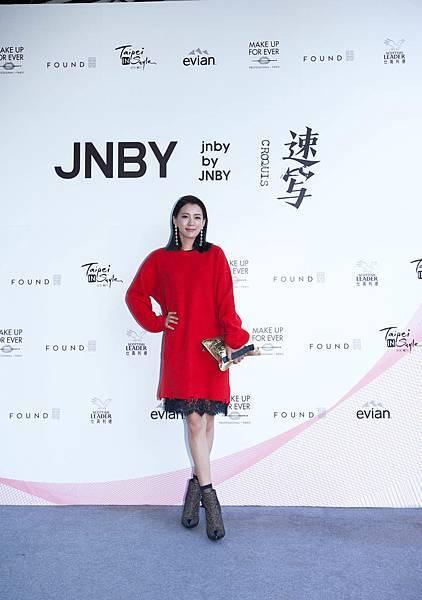 10. 名模王思平2017出席台北魅力展