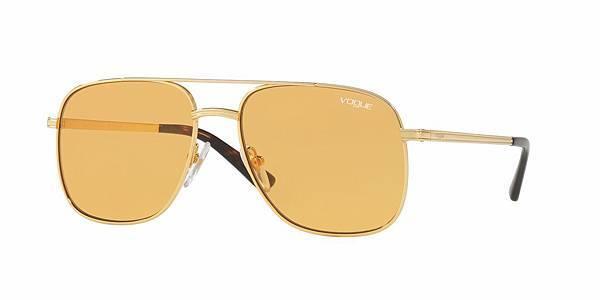 【新聞稿圖片6】Gigi Hadid for Vogue Eyewear Collection新品系列_0VO4083S_售價$7600