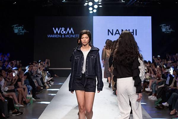 10. 名模身著台灣設計師品牌W&M 和 NANHI設計服為2017台北魅力展走秀