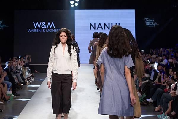 9. 名模身著台灣設計師品牌W&M 和 NANHI設計服為2017台北魅力展走秀