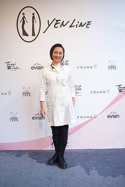 7.知名藝人楊麗音現身力挺2017台北魅力展