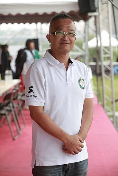 資深馬術教練黃信勳