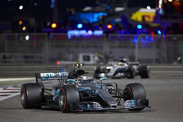 Valtteri Bottas以Pole to win完美表現奪得阿布達比站第一名,同時也拿下2017年F1年度車手第三名