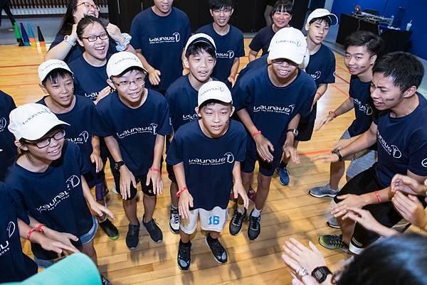 台灣賓士長期以【Mercedes-Benz星夢想】致力於社會關懷,全心全意的關懷照顧全台需幫助的孩童們,讓偏鄉的孩子們擁有溫暖、充實的課後照護。