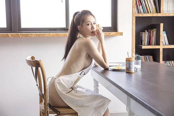 《林采緹美麗宣言》東京x台北寫真全記錄將於1123開始預購,1130正式上市-1