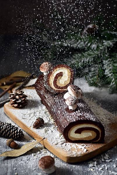 圖1.甘納許榛果樹輪聖誕捲