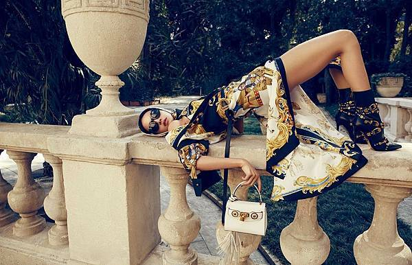 亞洲流行天后蔡依林完美演繹Versace 2018 春夏系列_2