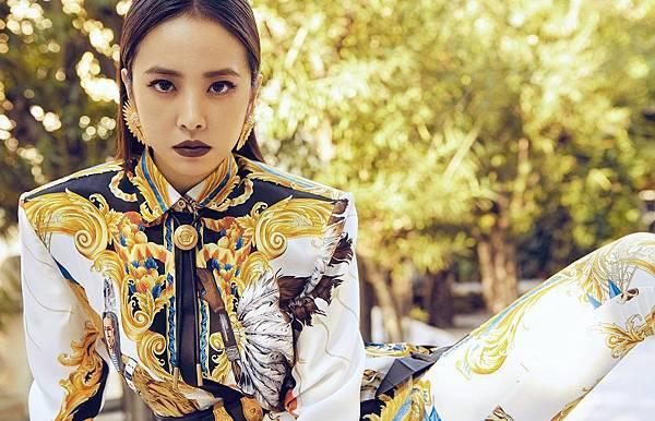 亞洲流行天后蔡依林完美演繹Versace 2018 春夏系列_1