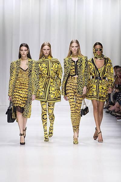 Versace 2018 春夏女裝系列 - 巴洛克風格_1