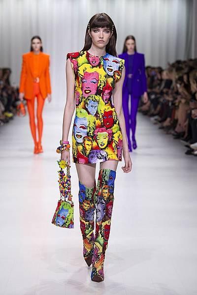Versace 2018 春夏女裝系列 - 普普藝術