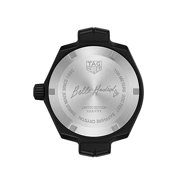 TAG Heuer Link Lady Bella Hadid特別版腕錶,錶背鐫刻Bella Hadid簽名字樣。