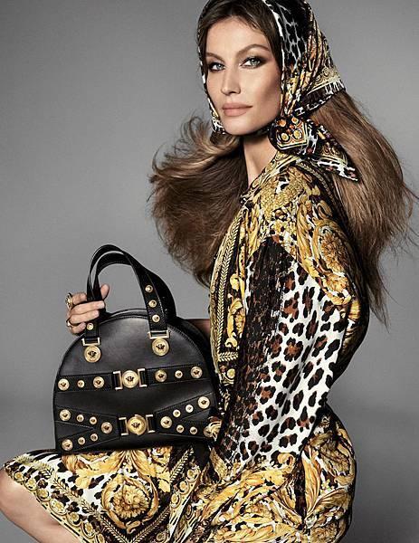 巴西超模吉賽兒邦臣Gisele Bundchen拍攝Versace 2018春夏形象廣告