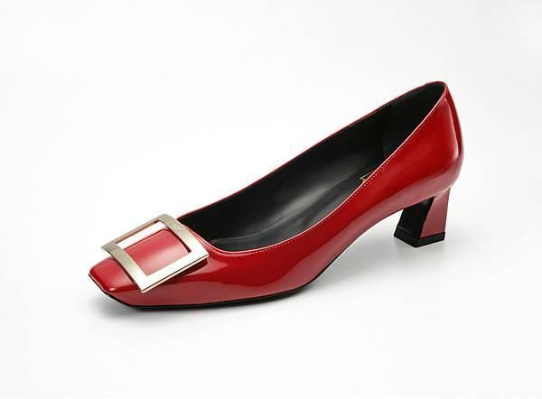 Roger Vivier TROMPETTE 寶石紅跟鞋 NT$29,000
