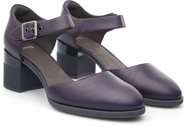 Camper Hanna系列粗跟包鞋,NT$3,000。(女款)