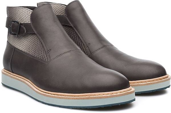 Camper Magnus系列拼接踝靴,NT$3,500。(男款)