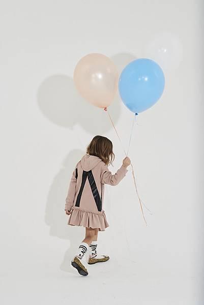 N° 21 Kids_連帽連身裙_1