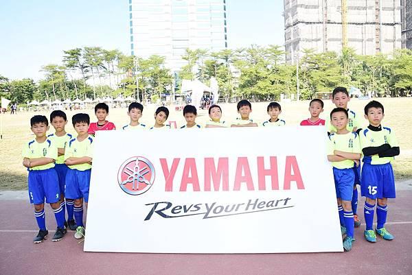 [YAMAHA CUP]由YAMAHA經銷商兼教練與贊助商的林義陣支持30年,右昌國小足球隊實力堅強