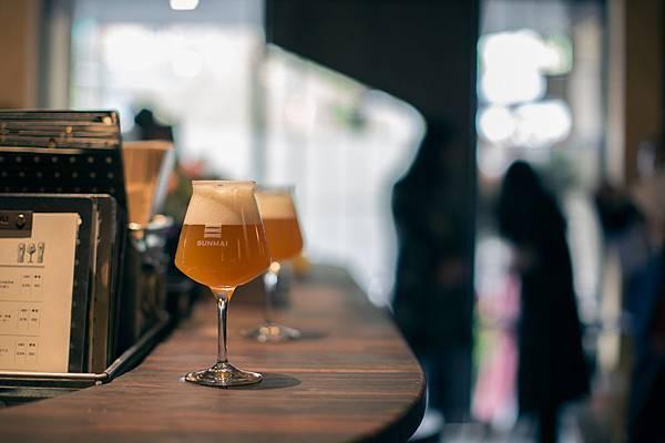 圖6.SUNMAI BAR安和店除提供經典三麥、亞州原創系列、季節限定等人氣酒款外,更推出隱藏版實驗性酒款。