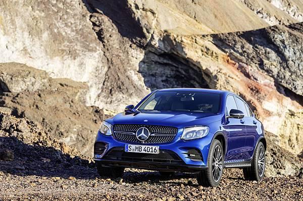 本月獨家推出【星享事成】專案,凡入主Mercedes-Benz任一車款,即可享有貸款首期免付優惠,夢想不再只是夢想。