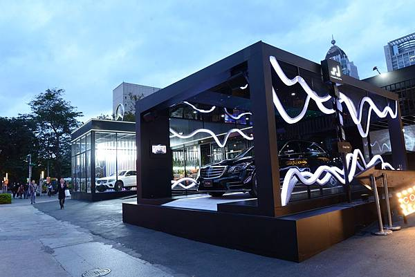 #MercedesBenzPopUpTaipei 舉辦「The new S-Class 智能舒活之旅」,開放民眾現場體驗The new S-Class以人為本的創新舒適科技