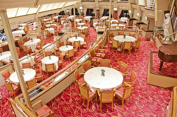 雙子星號紅房子西餐廳,適合一家人用餐,提供中西式各種美食,環境寬敞明亮,充滿現代化氣息,令人身心放鬆。