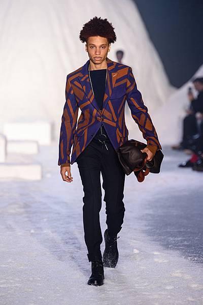 15. Ermenegildo Zegna Couture 2018冬季系列時裝秀 Look 31