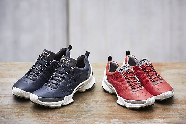 【新聞稿圖片1】ECCO 「BIOM C」頂級休閒運動鞋履 隨時享受裸足自在感