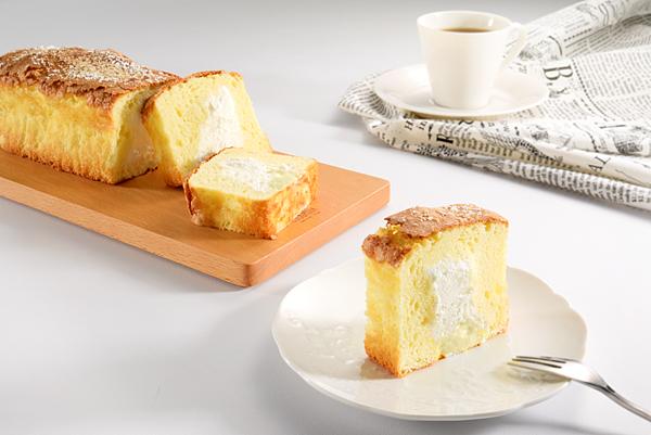 亞尼克「生。磅蛋糕」擁有濃厚蛋奶香、口感紮實、濕潤化口的蛋糕體,並以後注餡法灌入北海道奶霜,給予消費者驚艷的全新蛋糕口感 (圖片提供:亞尼克)