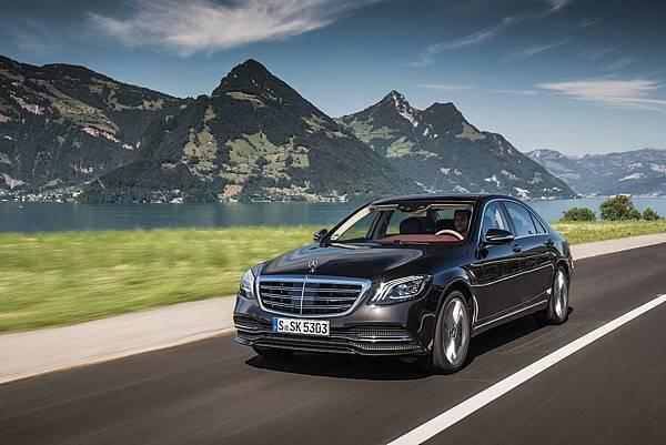 Mercedes-Benz限定車型推出「3年租賃專案」,同時提供車主三年乙式保險,給予最優渥保障