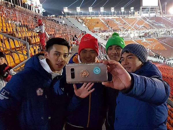 _由左至右連德安、江俊弘、楊仕勛、秦教練