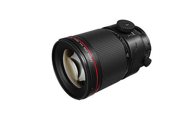 圖六、Canon_TS-E 135mm f4L Macro 產品圖 (側面)