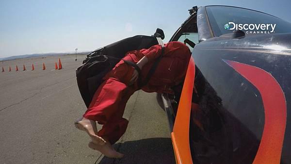 紅隊使用氣動力活塞 成功打造玩命關頭超跑彈射飛椅