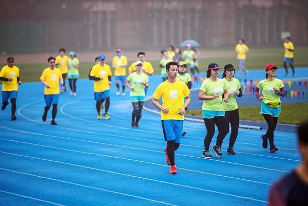 04-2018 PUMA螢光夜跑 跑者訓練營-團員們不畏風雨實踐「24∕7」不停歇的鍛煉精神