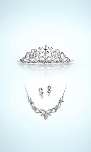 銀座白石鑽石皇冠頭飾系列「Lien」市值約NT$1,700,000