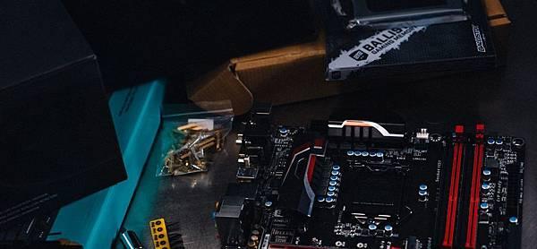 你選的 CPU 與主機板相容嗎?