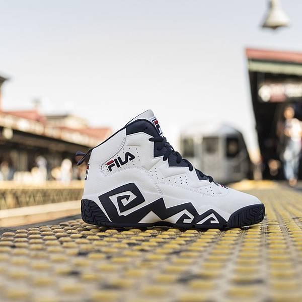【FILA】FILA 推出 MB 復刻籃球鞋化身風暴白兵,黑白對比強烈_建議售價NT$3,780