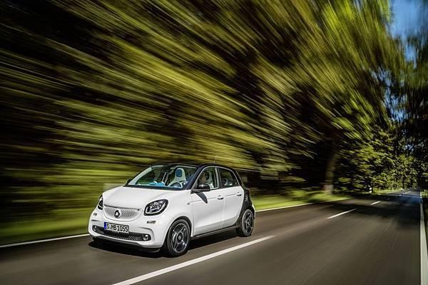 _「smartmove守護星服務」24小時的高品質維修與道路救援是smart車主旅途安全的最佳依靠