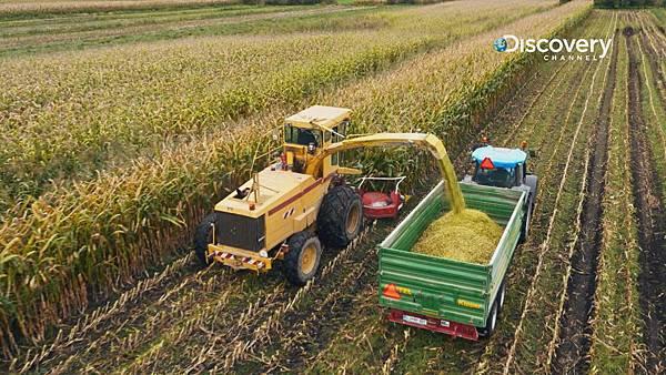 生質能源為最受矚目的再生能源。最一開始是利用玉米、大豆等穀物提煉,至今已可將餐廳不要的廢食用油做為原料轉為生質柴油