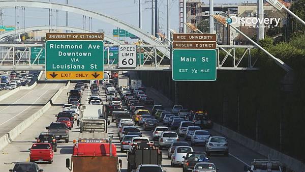 生質柴油相較於傳統柴油,更能減少80%的碳排放量,相當於從高速公路上移除1,900萬輛汽車
