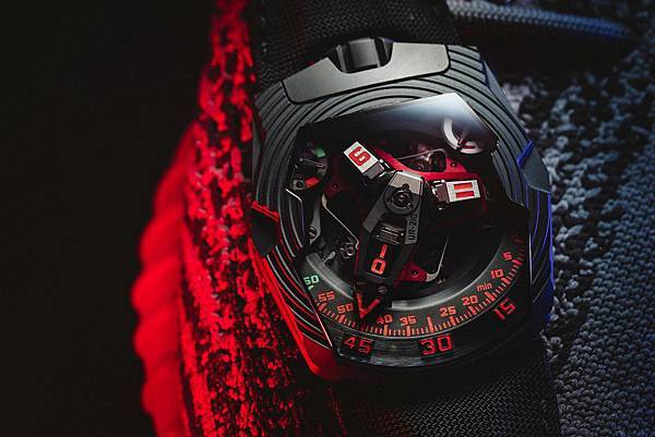 URWERK_UR-210 Royal Hawk_NT$5,200,000_限量25枚_1