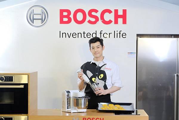 橫圖說_施易男巧用Bosch德式工藝 烘焙主人.寵物共享營養餅乾