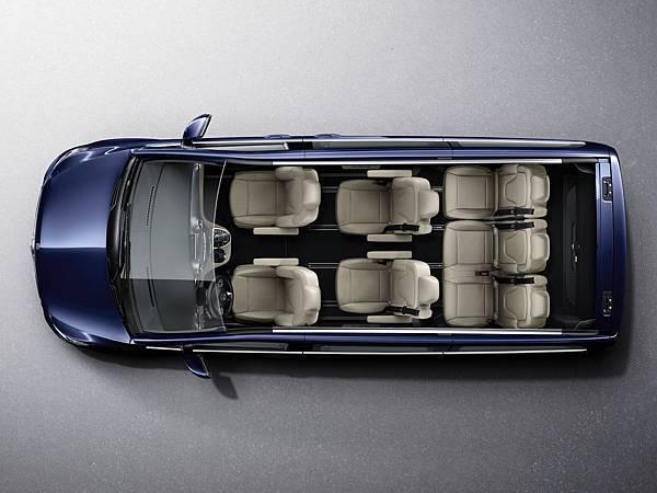 全新的V220d以較短的車身提供不變的室內寬敞舒適空間配置