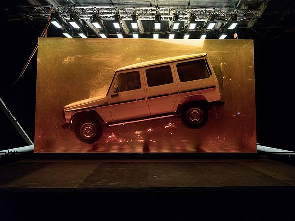 Mercedes-Benz將1979第一代G-Wagen保存在琥珀當中,象徵最原始的野性與淵遠流長的熱血基因