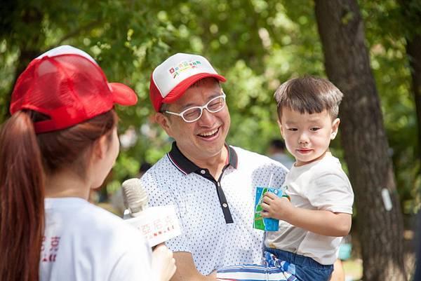 致力倡導親子分享陪伴的甜點品牌亞尼克,期許透過「亞尼克公益寫生比賽」讓親子走出戶外,共享優質互動時光