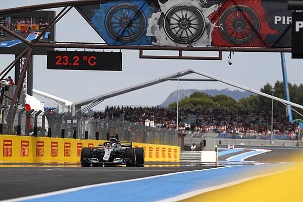 2018年F1法國站,Mercedes-AMG Petronas Motorsport車隊的Lewis Hamilton以Pole to Win姿態締造完全制霸比賽,奪下冠軍寶座