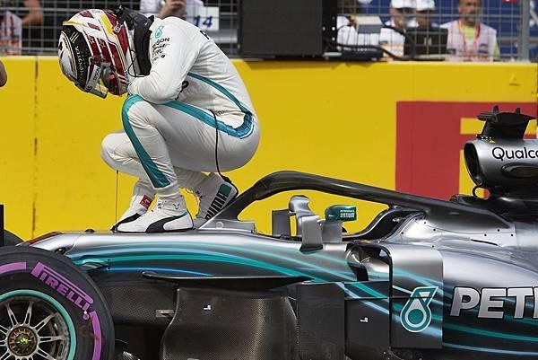 Lewis Hamilton毫無懸念奪得今年第三個分站冠軍,並重回F1車手積分排行榜領先位置