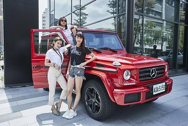 「台灣首席女DJ」DJ Cookie(圖上)、知名時尚部落客唐葳(圖左),以及台灣知名女賽車手沈慧蘭(圖右)出席She