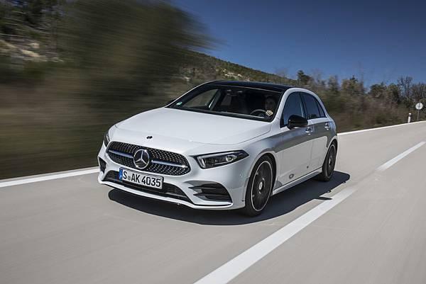 _The new A-Class帶來了更具份量與氣勢的外觀感受,重新改寫新世代豪華小型車定義